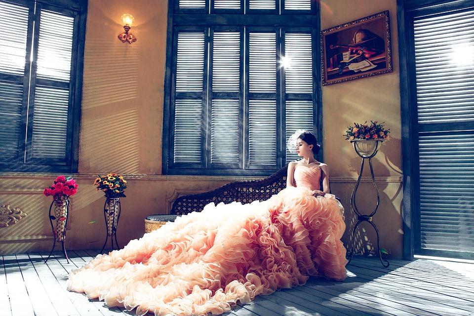 Menyasszonyi ruha szalont Budapesten könnyen találhat!